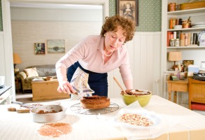JULIE & JULIA, Meryl Streep, as Julia Child, 2009. Ph: Jonathan Wenk/©Columbia Pictures/Courtesy Everett Collection