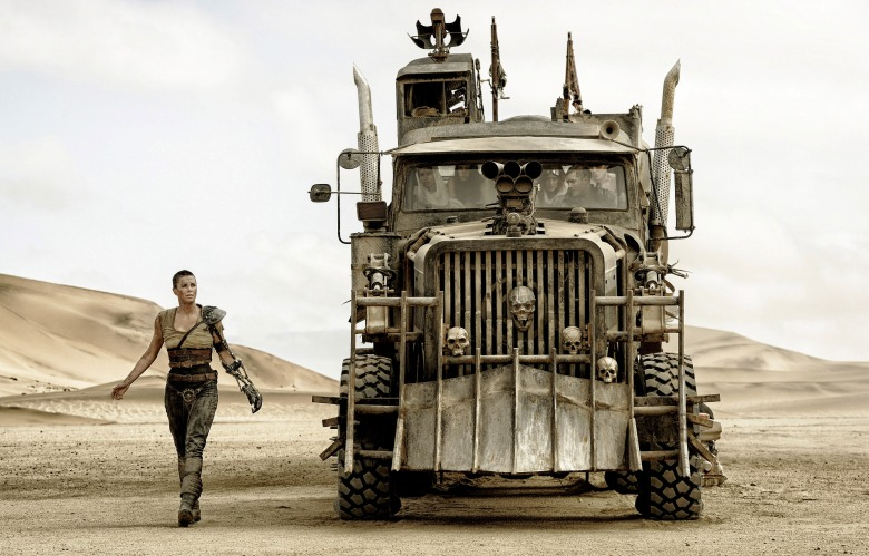 MAD MAX: FURY ROAD, l-r: Charlize Theron, Zoe Kravitz, Courtney Eaton, Riley Keough, Tom Hardy, Nicholas Hoult, 2015. ph: Jasin Boland/©Warner Bros. Pictures/courtesy Everett Collection