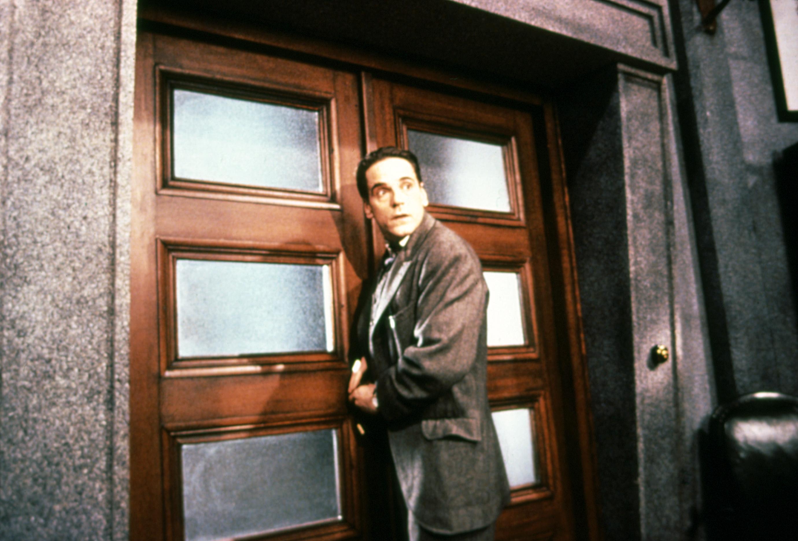 KAFKA, Jeremy Irons, 1991, (c)Miramax Films/courtesy Everett Collection