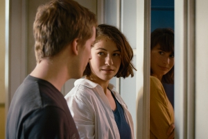 'The Girl and the Spider' Review: Hell Is Your Neighbors in Tragicomedy from 'Strange Little Cat' Team