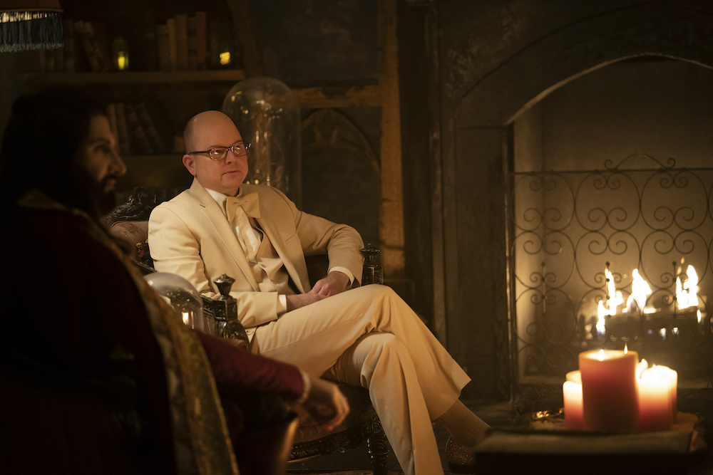 """WHAT WE DO IN THE SHADOWS -- """"The Prisoner"""" -- Season 3, Episode 1 (Airs September 2) Pictured: Mark Proksch as Colin Robinson. CR: Russ Martin/FX"""