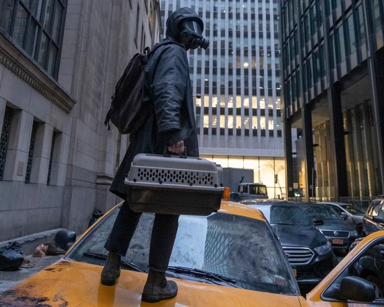 "Y: The Last Man -- ""The Day Before"" -- Season  1, Episode 1 (Airs September 13) -- Pictured: Ben Schnetzer as Yorick Brown. CR: Rafy Winterfeld/FX"
