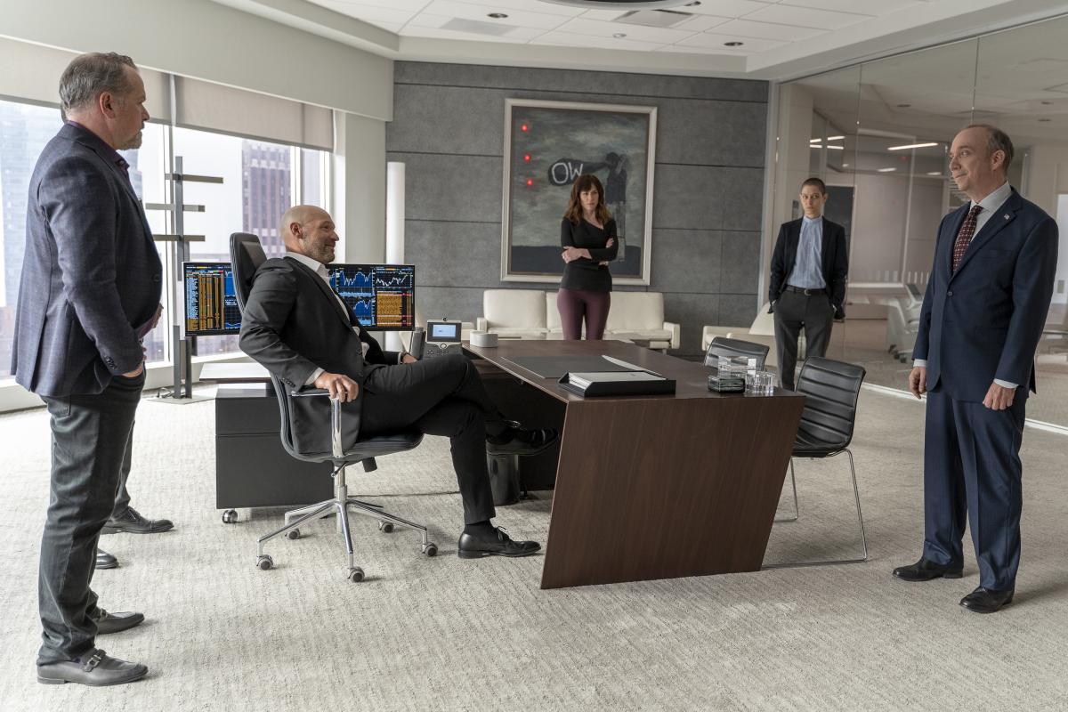 """(L-R): David Costabile as Mike """"Wags"""" Wagner, Corey Stoll as Michael Prince, Maggie Siff as Wendy Rhoades, Asia Kate Dillon as Taylor Mason and Paul Giamatti as Chuck Rhoades in BILLIONS """"No Direction Home"""". Photo Credit: Jeff Neumann/SHOWTIME"""